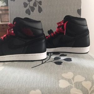 Air Jordan retro high OG black gym red